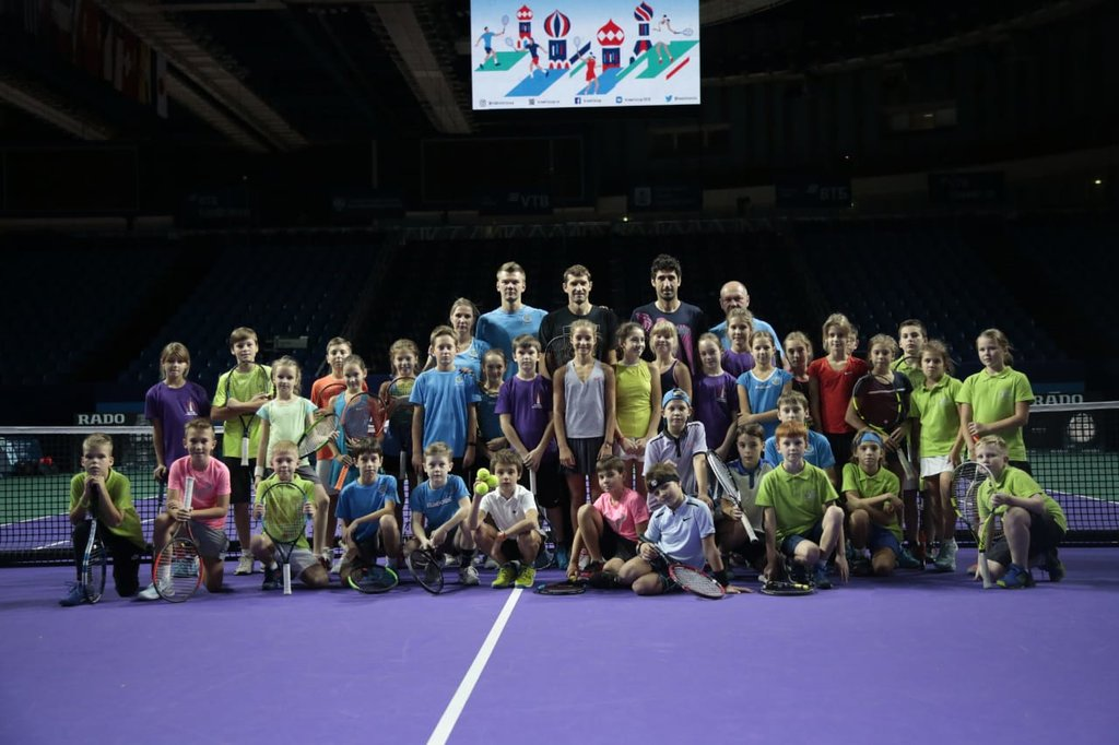 Tennis clinic with Mirnyi and Oswald
