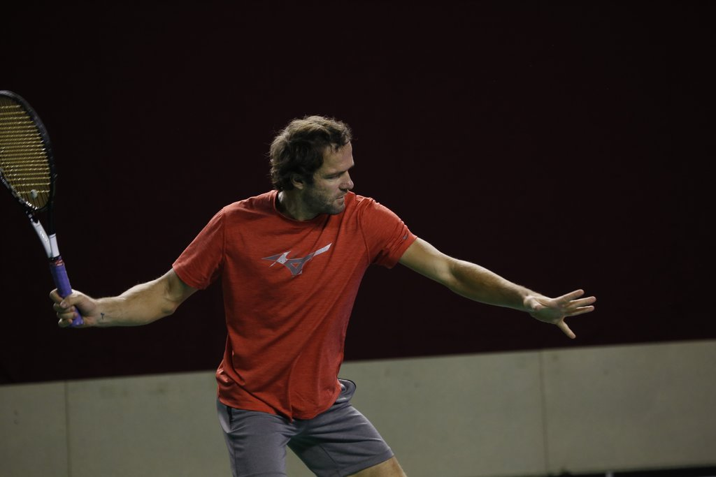 Gabashvili edges Brands